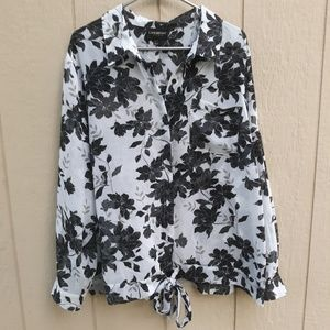 Lane Bryant tie front button up top size 22/24